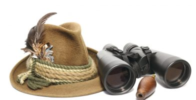 we reviewed and rated the best hunting binoculars on the market